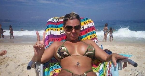 фото жен на курорте