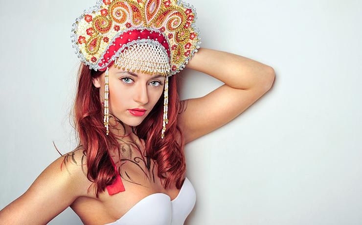 Изнвсилование русской красавицы в розовом