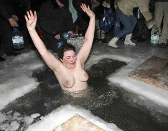 голые женщины на крещение